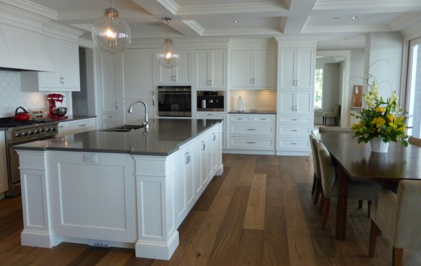 white kitchen in west vancouver 1
