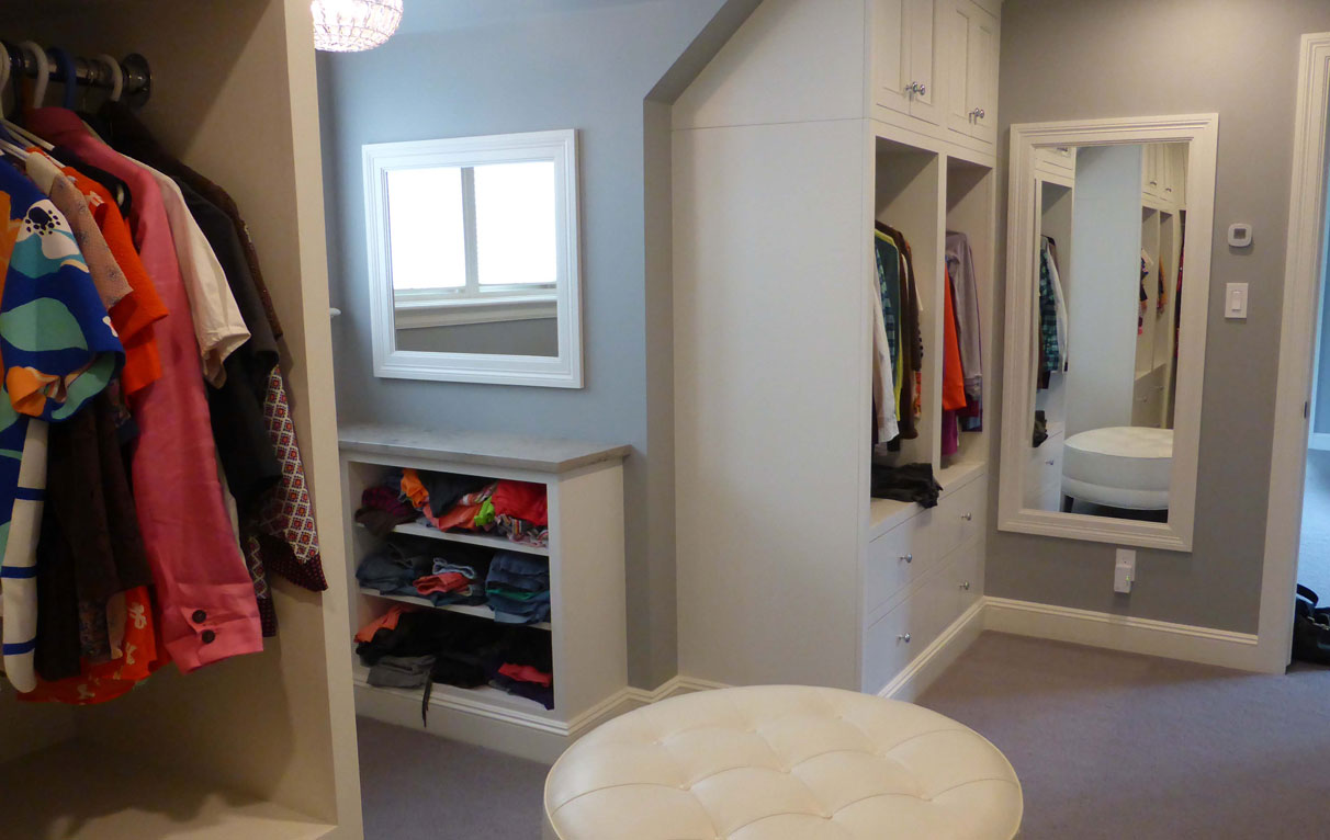dressing room open shelves