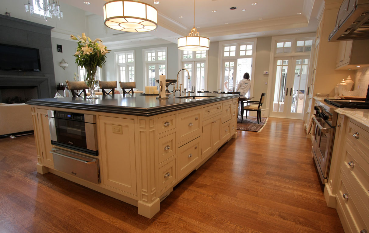 Elegant white kitchen in shaughnessy vancouver home for Beaded inset kitchen cabinets