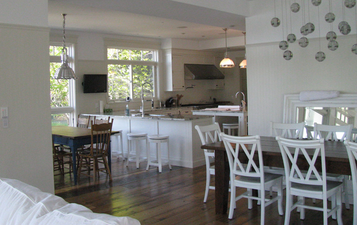 gulf island white kitchen 1