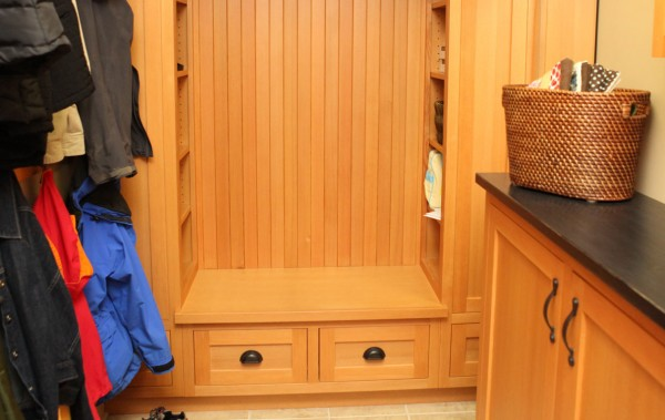 douglas fir mudroom bench